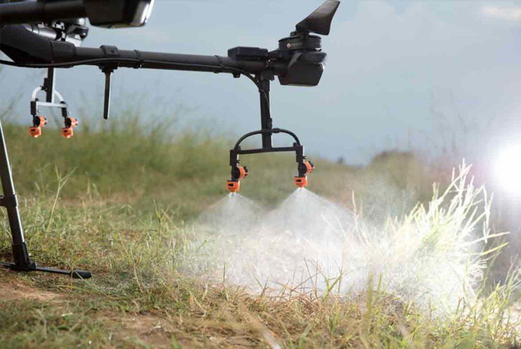 test de aspersión con drone para tratar riveras