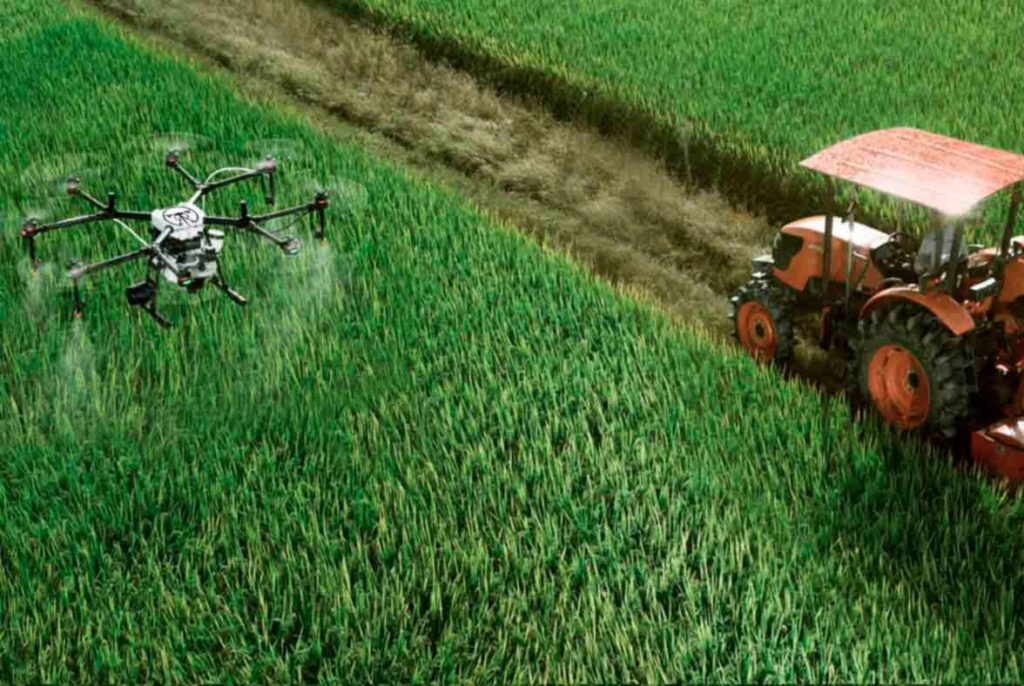 Dron FitoAgro tratando plagas agrícolas
